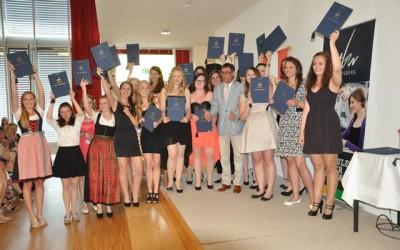 Feierliche Übergabe der Reife- und Diplomprüfungszeugnisse