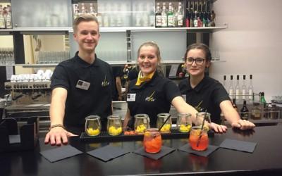 Cocktails, Fingerfood und Flambiertes für Infoabend