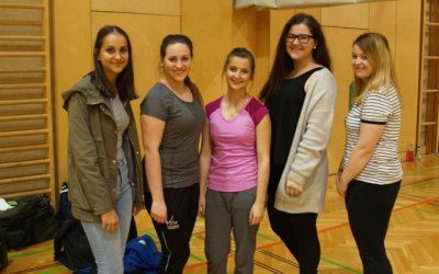 HLW-Schülerinnen üben sich in Selbstverteidigung