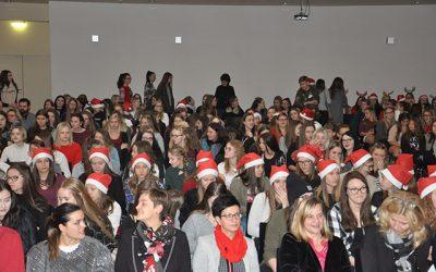 Schüler-Lehrer-Weihnachtsfeier an HLW