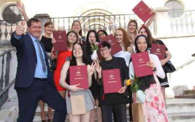 Abschlussprüfungszeugnisse an die 3AMW verliehen